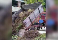 У Славуті оштрафували чоловіка, який викинув причеп сміття у непризначеному місці