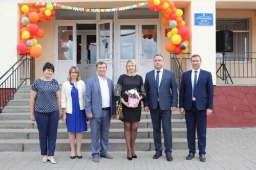 Громада у Шепетівському районі отримала шкільний автобус