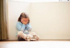 На Хмельниччині багатодітній горе-матері присудили 1700 гривень штрафу за неналежний догляд за 6 дітьми