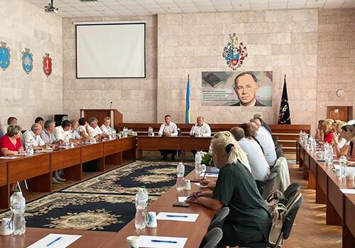 Діалог з освітянами: Сергій Лабазюк сформував з педагогами Хмельниччини пакет ключових завдань на осінь