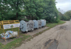У Славуті комунальники стали на захист майна від вандалів