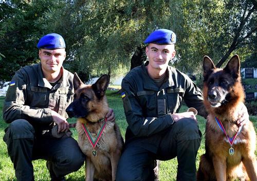 Службовий пес Шеріф перший на Хмельниччині удостоєний високої відзнаки