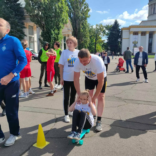 Славутчани здобули перемогу на Всеукраїнському фестивалі «Тато, мама, я— спортивна сім'я»