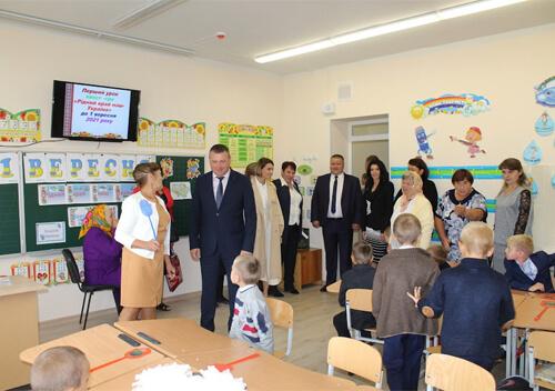 На Білогірщині відкрили школу, яку будували 32 роки
