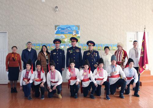 У Славуті 94 учня поповнили лави козаків