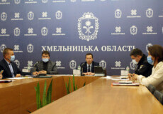 Із 23 жовтня на Хмельниччині запроваджують нові карантинні заходи