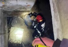 У Шепетівці 39-річний чоловік зірвався у шахту підвалу закинутої будівлі